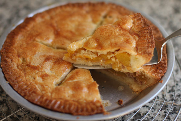 Tarte aux pêches - peach pie - comme chez les rifains - à découvrir chez delimoon.com