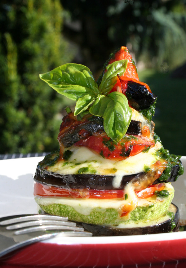 Légumes d'été superposés et cuits au grill - delimoon.com