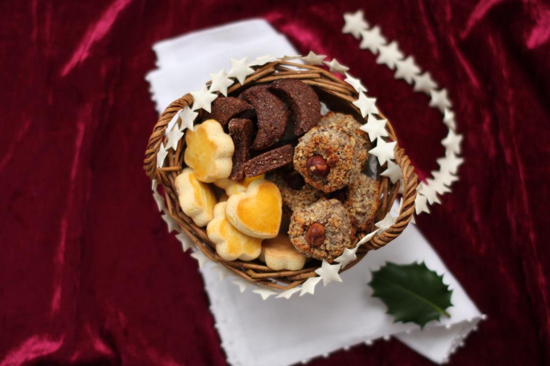 Biscuits de Noël - spécialités suisses - delimoon.com