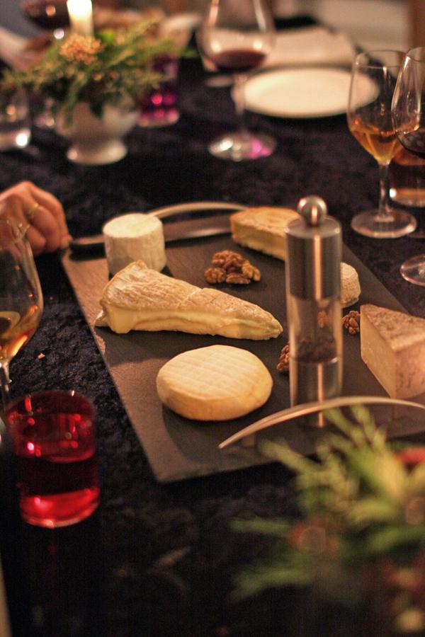 Plateau de fromages suisses pour accompagner mon pain aux fruits secs - delimoon.com