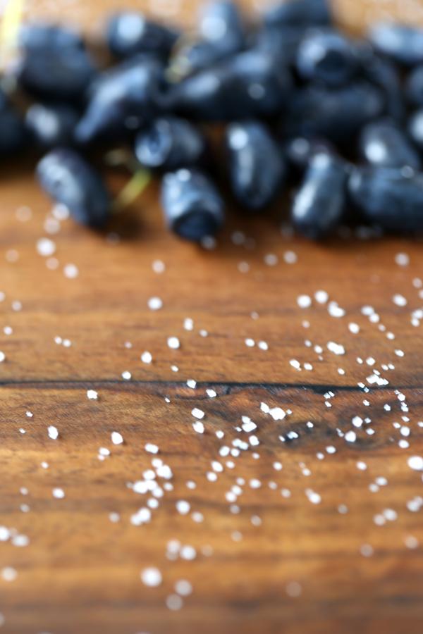 Baies de mai - baies de miel - myrtilles de Sibérie - que de noms pour un si petit fruits qui mérite d'être mieux connu - Delimoon.com