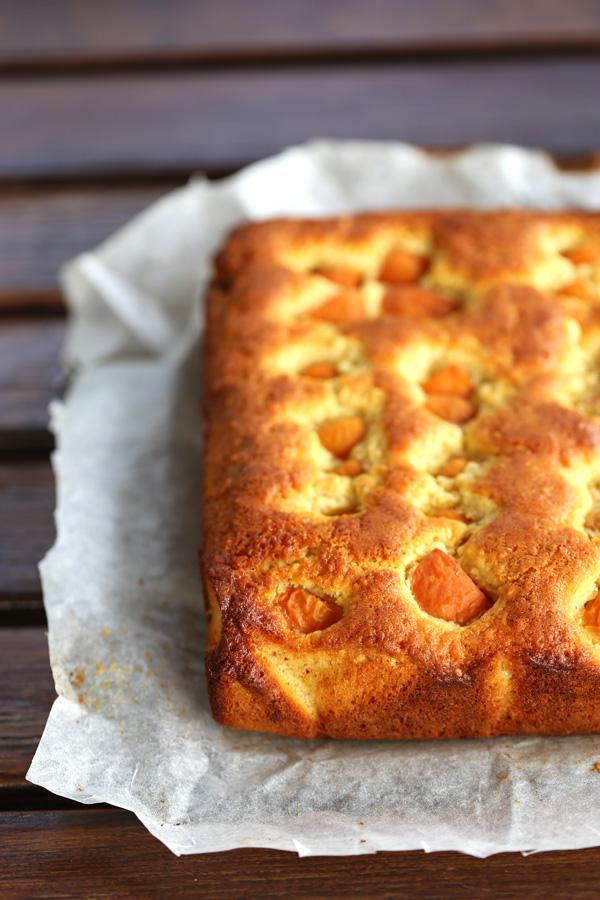 Gâteau moelleux aux abricots - delimoon.com