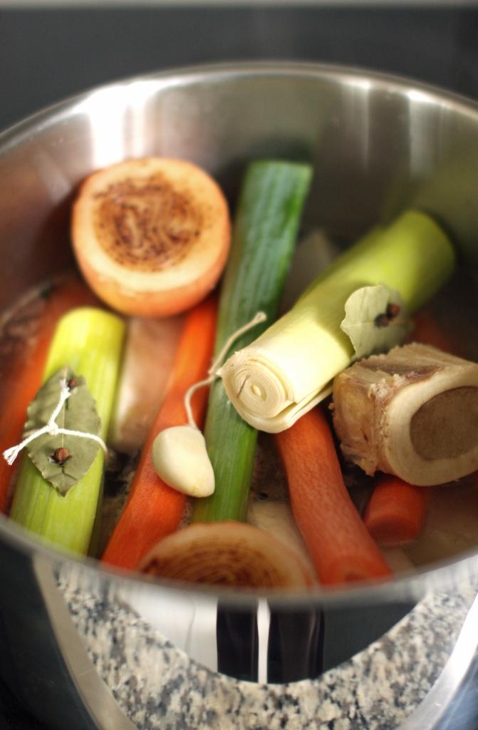 Bouillon de légumes et os à moelle - delimoon.com - un plat réconfort - comfort food