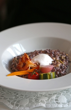 Crevettes et riz venere