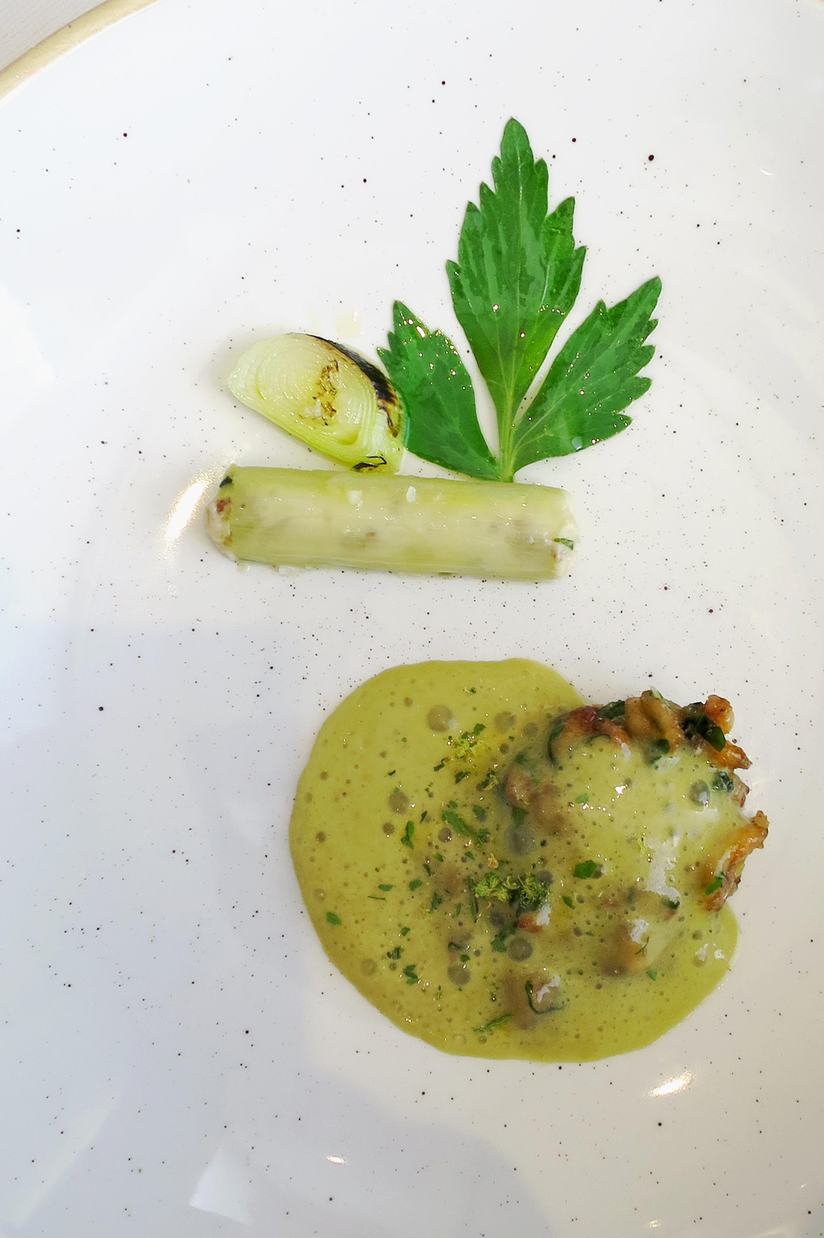 Poêlée de cuisses de grenouilles - delimoon.com - le Pont de Brent