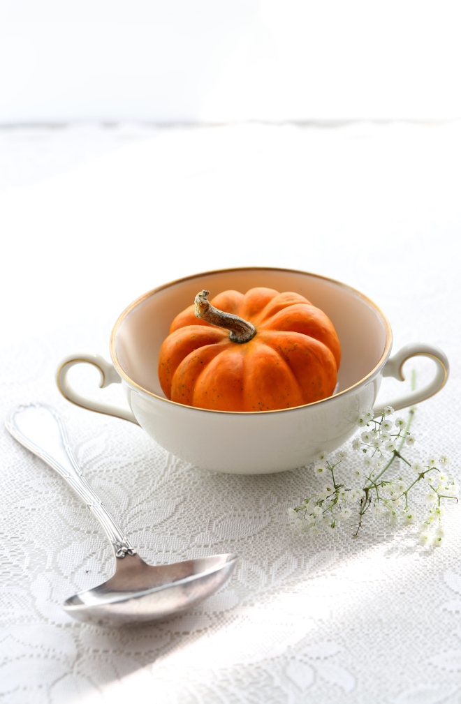 Happy Halloween - delimoon.com - pumpkin in a bowl