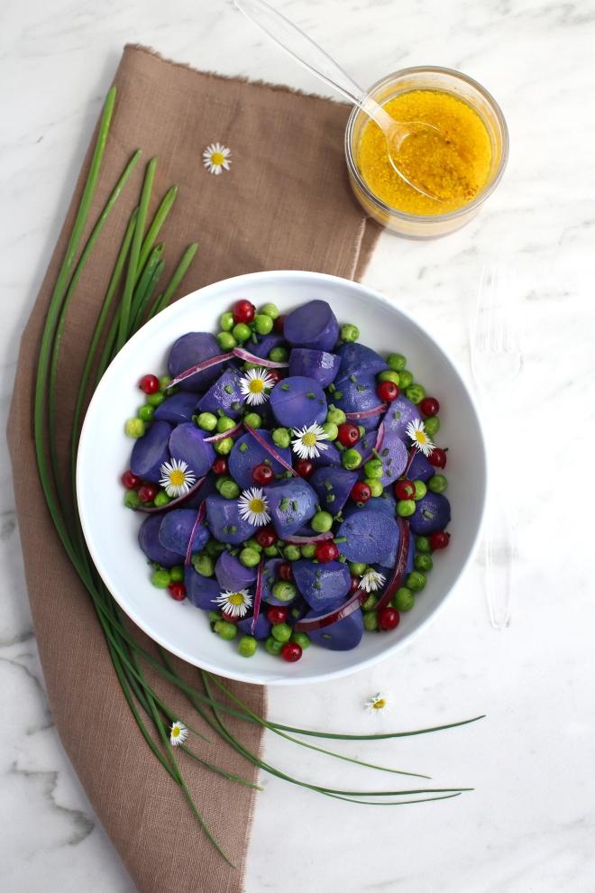 Salade de pomme de terre bleues - delimoon.com